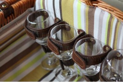 Арт.2835 Шоколад - Набор для пикника на 4 персоны.